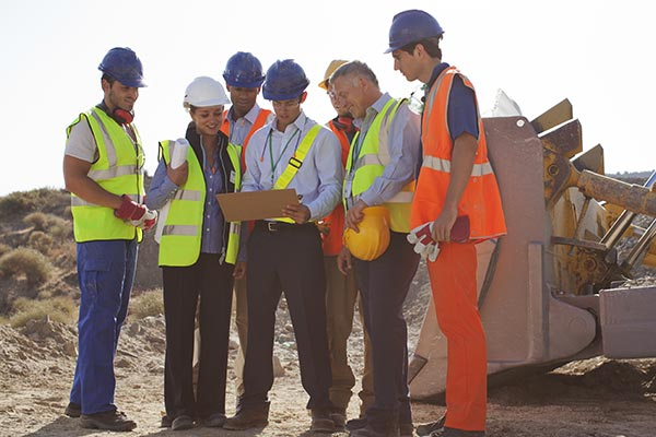 Contractors-having-a-demolition-safety-meeting